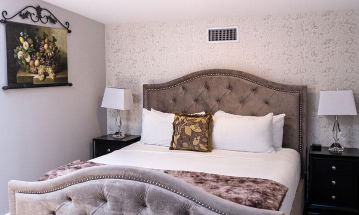 Luxury Suite Room. 13